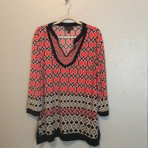 Bright tunic length top